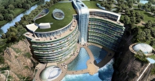 >Shanghai Hotel Submerged in Abandoned Quarry Opens to the Public