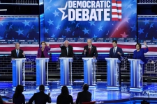 >Democratic presidential debate snags record 20 million viewers: NBC