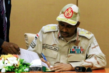 >Sudanese army and civilians seal interim power-sharing deal