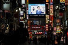 >Japan's battle with pandemic may mark end of Abe's fiscal experiment