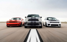 >Dodge presenteert drie extreme pk-monsters